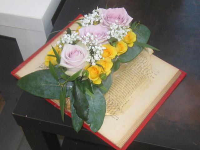 Livre-Vase fleurs fraîches